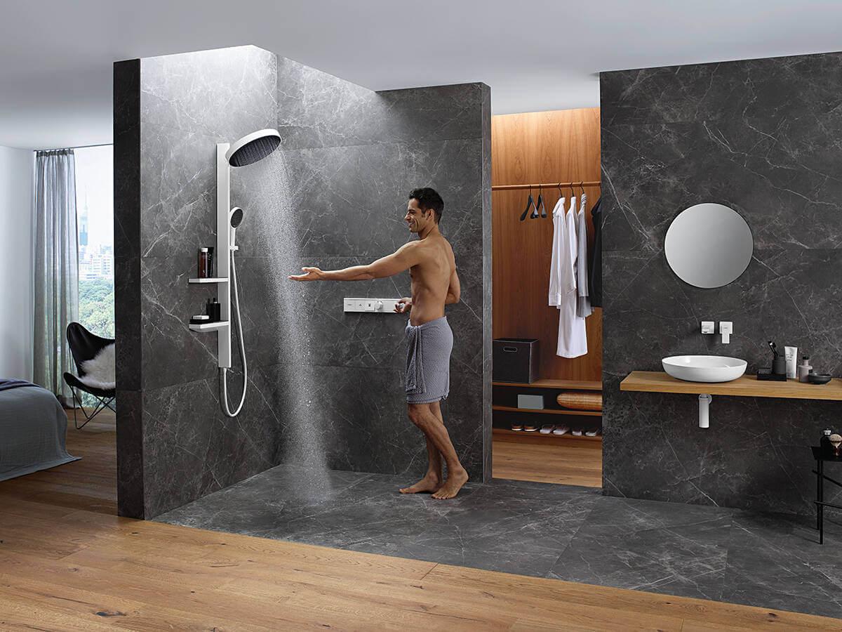 arainfinity-showerpipe-powderrain-man-ambience-4x3-jpg.jpg