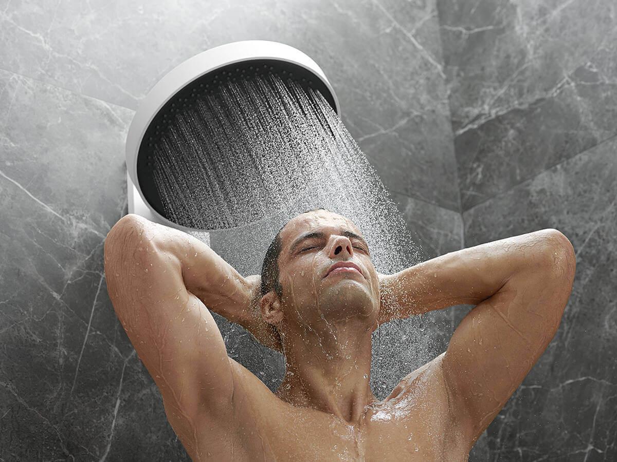 brainfinity-overhead-shower-powderrain-man-ambience-4x3-jpg.jpg